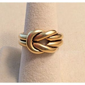 NWT Love Knot Ring by Premier Designs Size 7